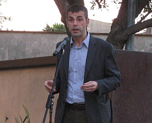 Una imagen de Vila cuando era alcalde de Figueras y diputado autonómico (foto: Facebook de Santi Vila).