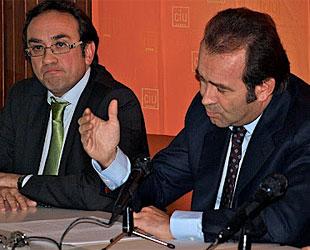 'Mikimoto', en un acto de CiU, junto al líder nacionalista de Tarrasa y dirigente de CiU, Josep Rull (foto: google.com).